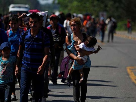 Gobierno de EU podría enviar a migrantes a