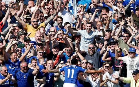 El Everton apalea 4-0 al Manchester United