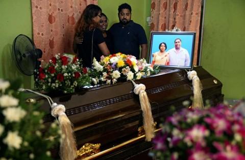 Sri Lanka adjudica ataques a red internacional; van 290 muertos
