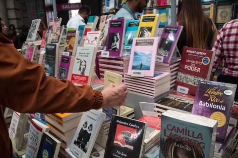 Disminuyen los lectores en México en un 9.4%, alerta INEGI