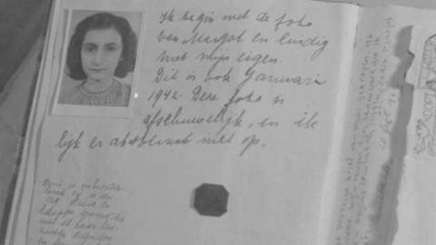 Publican por primera vez la versión completa del diario de Ana Frank