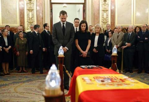 España da emotivo adiós a socialista Alfredo Pérez Rubalcaba