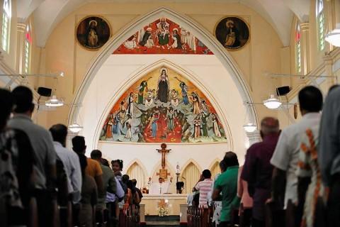 Iglesias católicas reabren en Sri Lanka tras ola de atentados