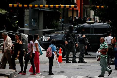 Fuerzas de Venezuela despliegan operativo en sede del Parlamento
