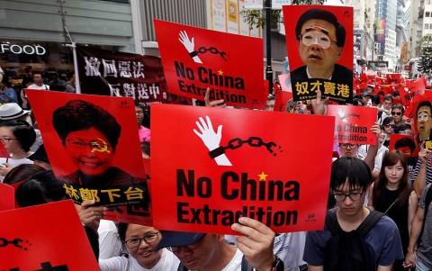 Gran manifestación en Hong Kong contra ley de extradición a China