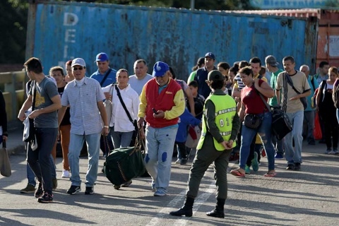 Acusa Venezuela a ONU de mentir sobre éxodo