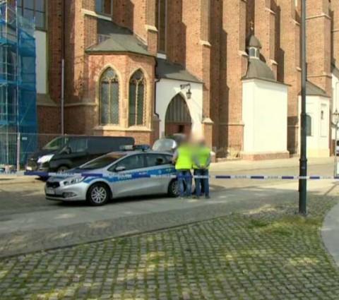 Hombre apuñala a sacerdote en iglesia de Polonia