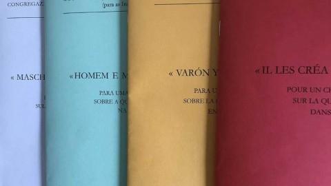 El Vaticano rechaza que se pueda elegir o cambiar de género