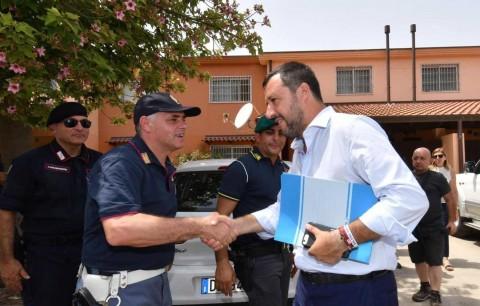 Cierra Italia el mayor centro para migrantes de Europa