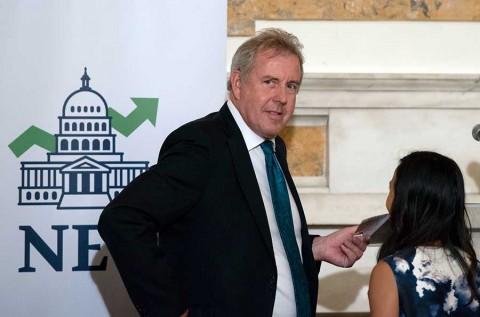 Trump llama 'chiflado, estúpido e imbécil' a embajador británico