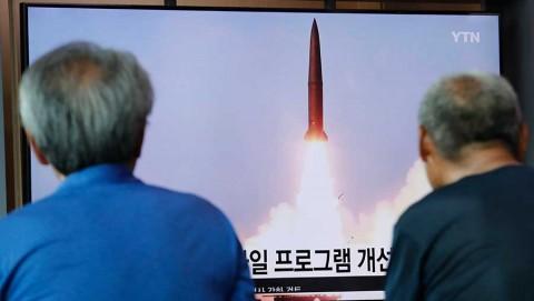 Corea del Norte lanza más misiles y amaga con romper con EU
