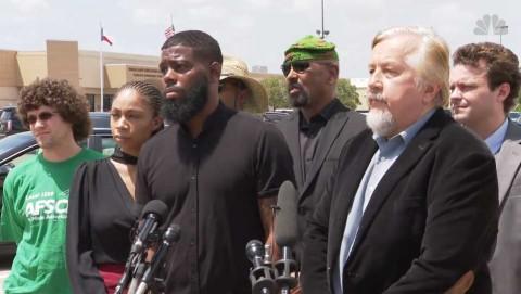 Maestros corrigen con plumón peinado a rape de alumno afroamericano en Texas