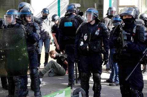 Arrestan a más de 160 personas en Francia durante jornada de protestas