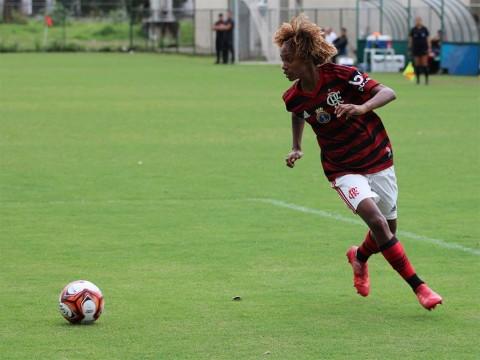 Equipo femenino del Flamengo propina un lapidario 56-0 a su rival