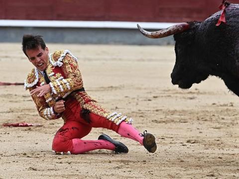 Gonzalo Caballero, el novio torero de Victoria Federica, sufre una grave cornada