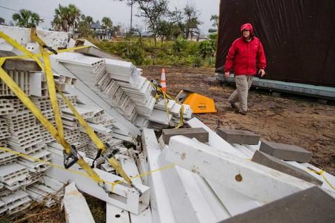 Tormenta 'Néstor' causa estragos en su avance a Florida