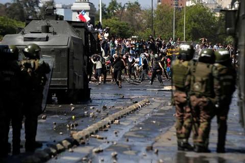 Aumentan a 11 los muertos por disturbios en Chile