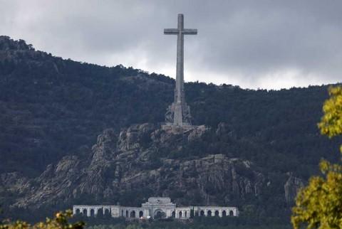 Todo listo en España para la exhumación de Franco