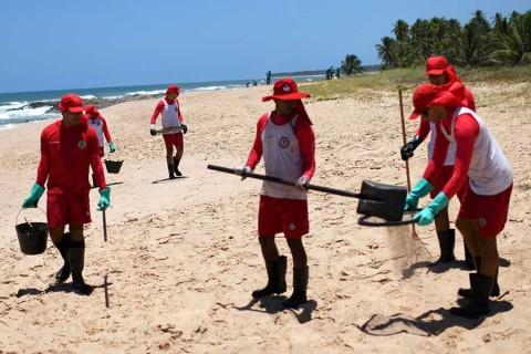 Marea negra en Brasil se extiende a Río de Janeiro