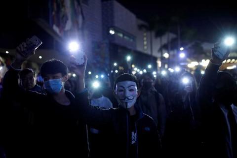 Exige China a regidora de Hong Kong restaurar el orden
