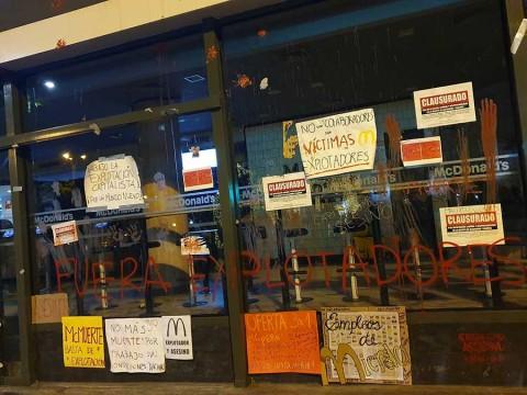 Culpan a máquina de bebidas por muertes en McDonald's de Perú