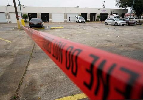 Tiroteo durante filmación deja 2 muertos en Texas, EU