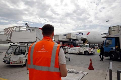 Hallan a niño polizón muerto en tren de aterrizaje de avión de Air France