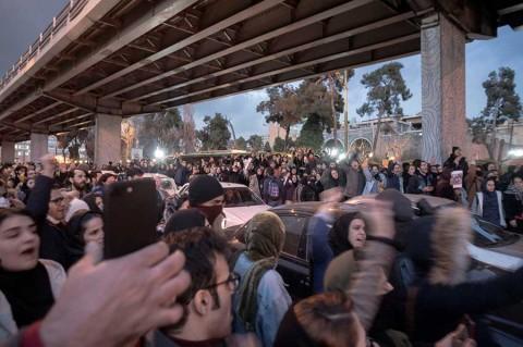 Anuncia Irán primeras detenciones por derribo de avión