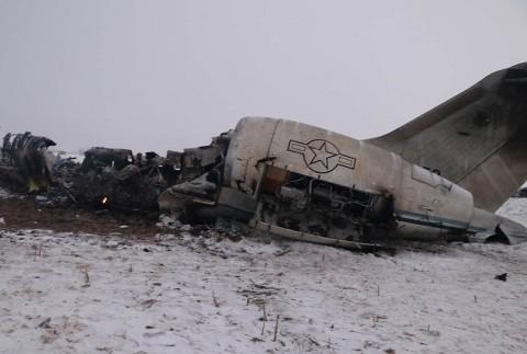 Se estrella avión militar de EU en zona talibán en Afganistán