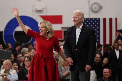 Arrancan las primarias demócratas para elegir al rival de Trump