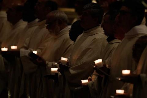 El papa Francisco desecha propuesta de sacerdotes casados