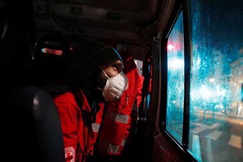 Italia vive situación crítica; nuevo récord de muertes
