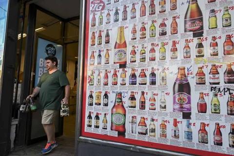 Así 'racionan' en Australia: solo 48 cervezas y 12 botellas de vino por persona