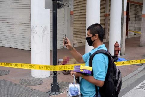 En Ecuador se acumulan los muertos y nadie los recoge
