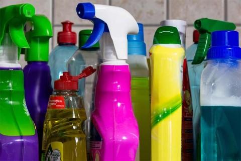 3 desinfectantes caseros que te sacarán de apuros