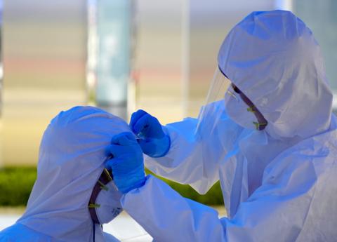 Científicos sugieren cuarentena y aislamiento ¡hasta el 2022 — Coronavirus