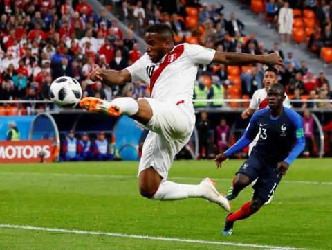 Jefferson Farfán participó con Perú en la Copa del Mundo de Rusia 2018. (Reuters)