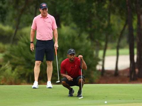 Tiger Woods y Peyton Manning se quedaron con la victoria. (Reuters)