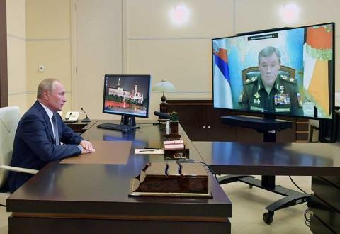 Putin festeja cumpleaños con lanzamiento de misil hipersónico