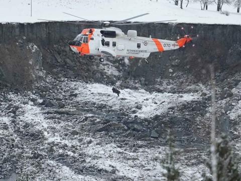 Derrumbe de tierra en Noruega deja 10 desaparecidos