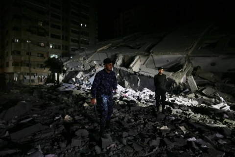 Israel pulveriza oficinas de Hamas en Gaza; van 30 muertos por escalada
