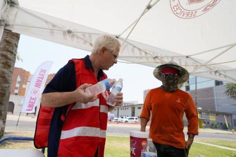 Ola de calor pone en alerta al oeste de EU; al menos 3 muertos