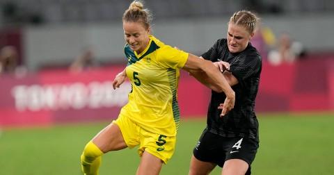 Australia derrotó dos a uno a Nueva Zelanda (Foto de AP)