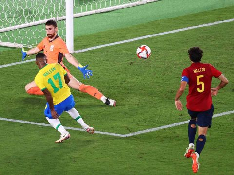 Así definió Malcom para darle la victoria a Brasil en Tokio 2020. (Reuters)