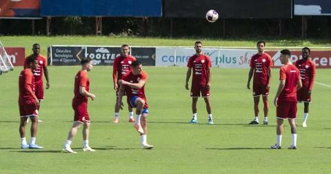 Costa Rica prepara en San José el duelo ante México. (AFP)