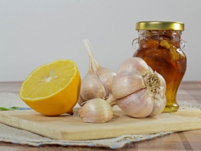 El ajo y la cebolla contienen compuestos sulfurados que activan una serie de enzimas capaces de neutralizar agentes cancerígenos. Foto: Thinkstock