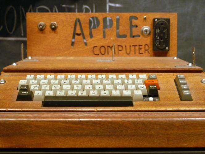 Steve Wozkiak creó lo que sería la Apple I con el afán de poner a prueba sus conocimientos, pero fue Jobs quien le vio un mayor potencial comercial. Foto: AP
