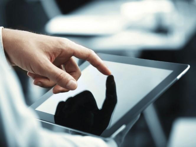 Desde 2005, Apple comenzó a trabajar en una tecnología táctil para integrarla en el iPad, pero lanzaron primero el iPhone, sin embargo, primero se empezó a trabajar en la tableta. Foto: Photos.com