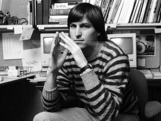 Tras tener varios desacuerdos con John Sculley, el entonces CEO de Apple, Steve Jobs dejó la compañía en 1985. Foto: Especial