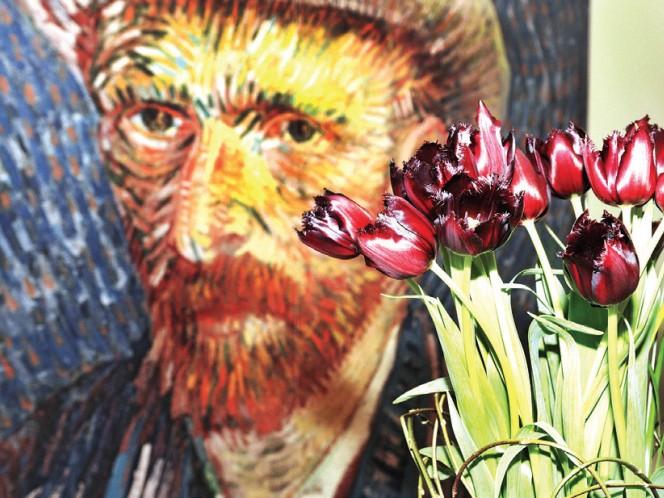 Holanda rinde homenaje a Van Gogh con tulipanes